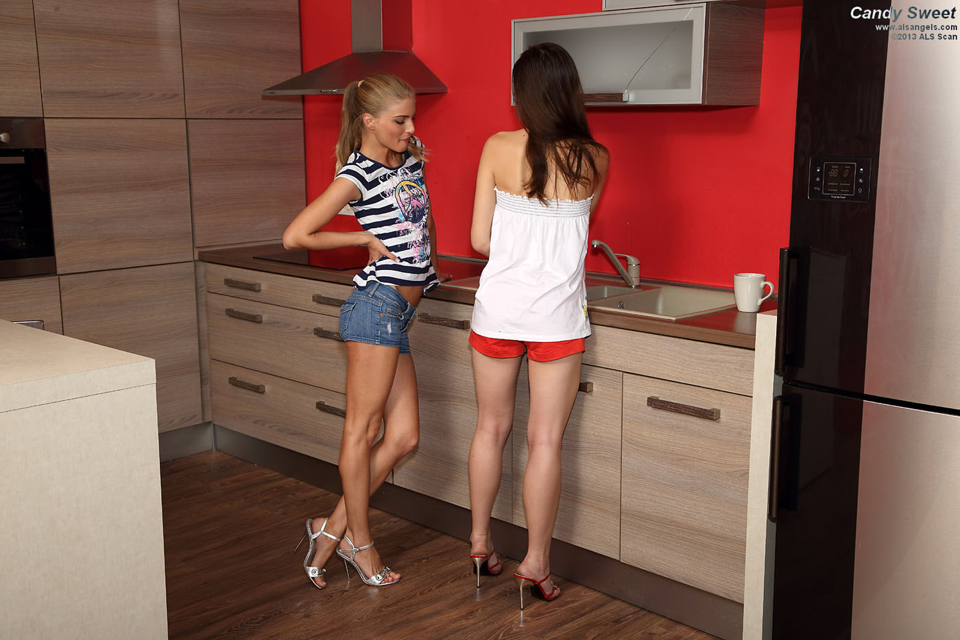 Candy Sweet - Pussy Licking With Lesbians Candy Sweet and Cayenne