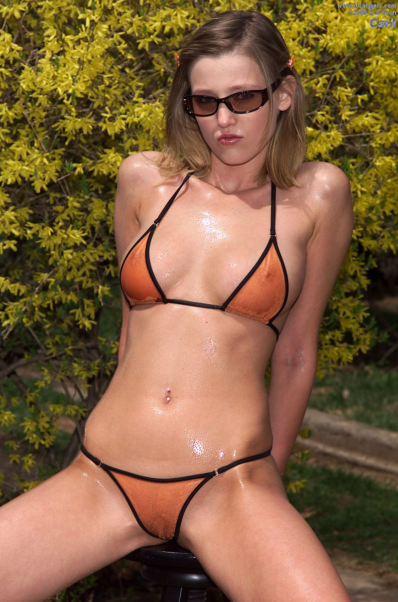 Carli Banks - Carli Banks Strips from her Bikini and Rams Banana before Peeing