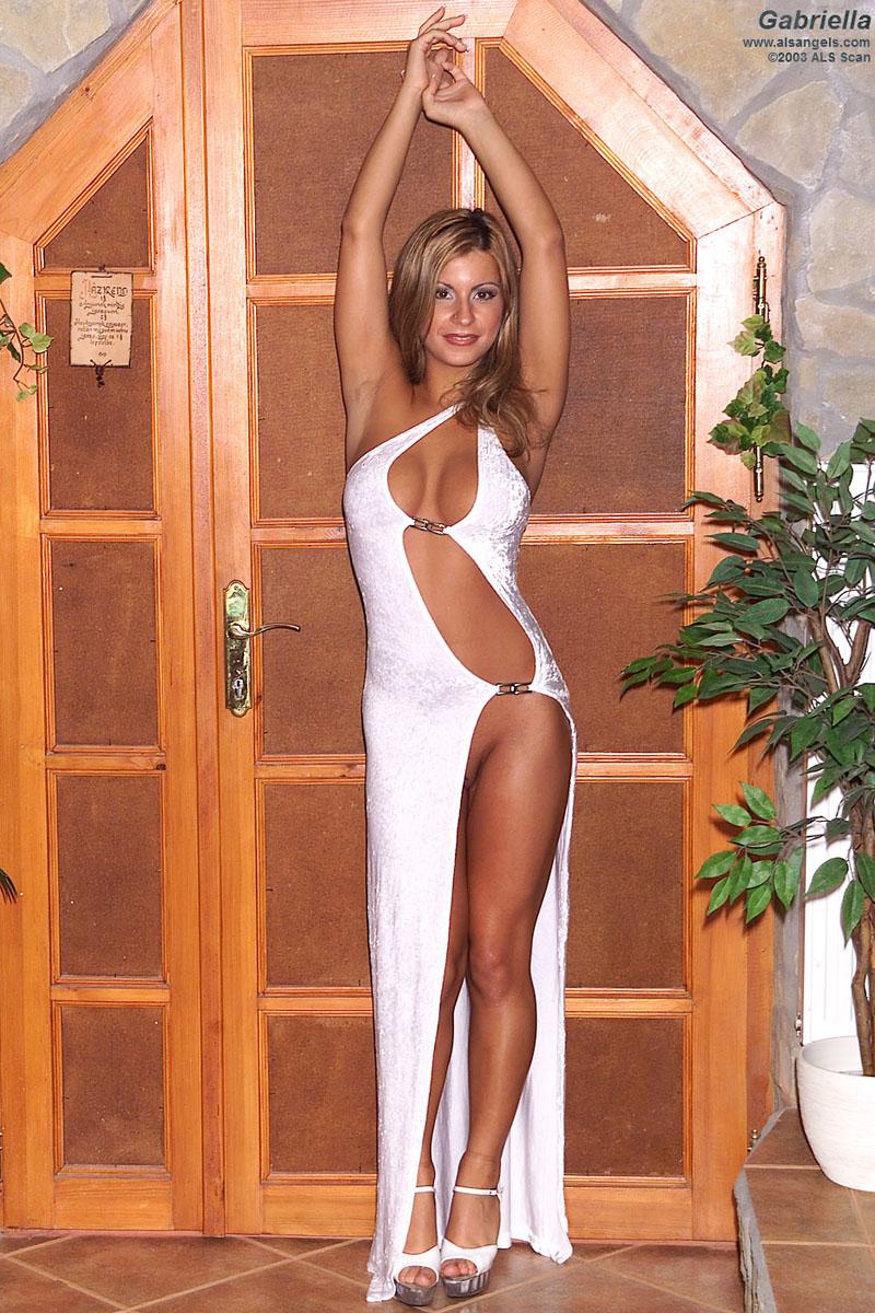 Gabriella - Voluptuous Gabriella Showing Off Big Natural Tits