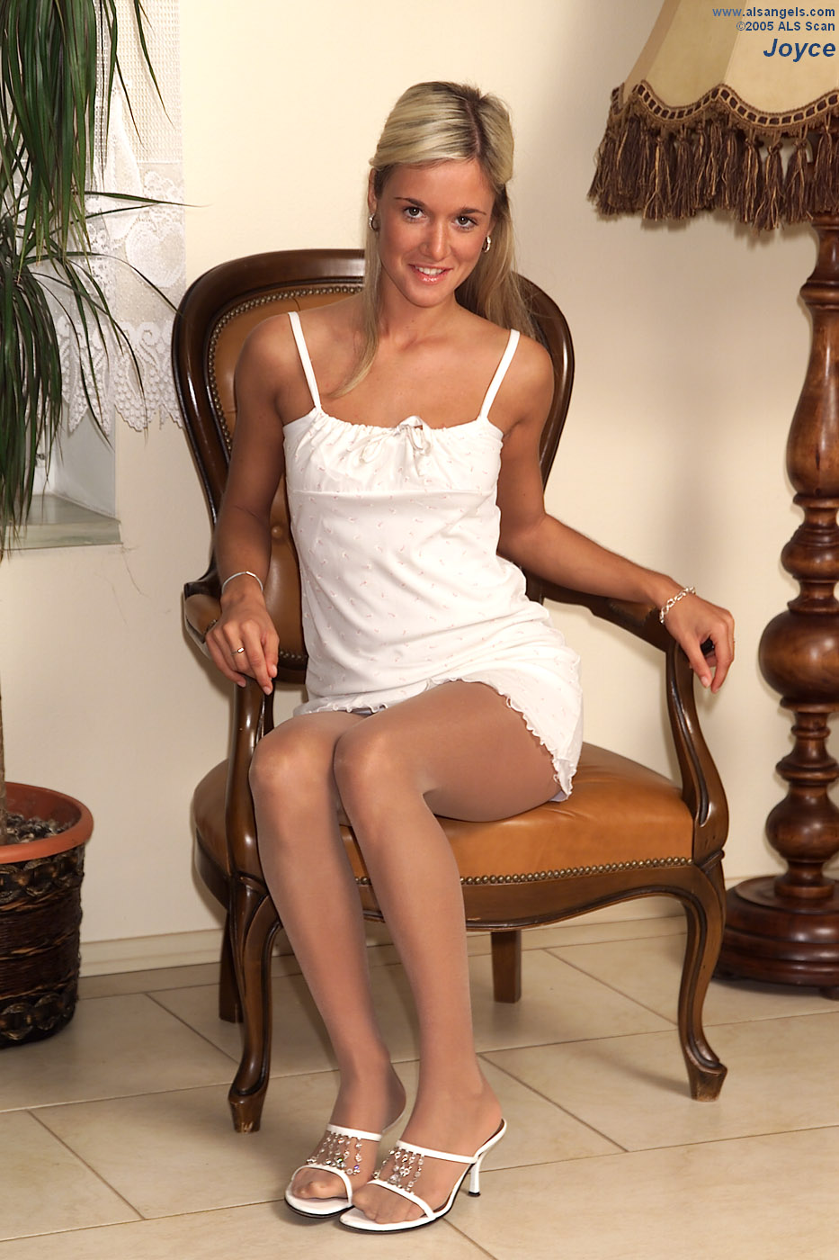 Joyce - Joyce Rips and Strips Pantyhose to Spread Her Pink
