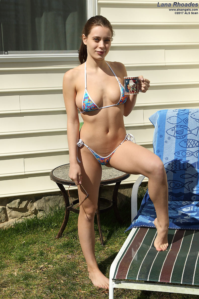 - Bikini Babe Lana Rhoades Strips Down and Gapes with Speculum