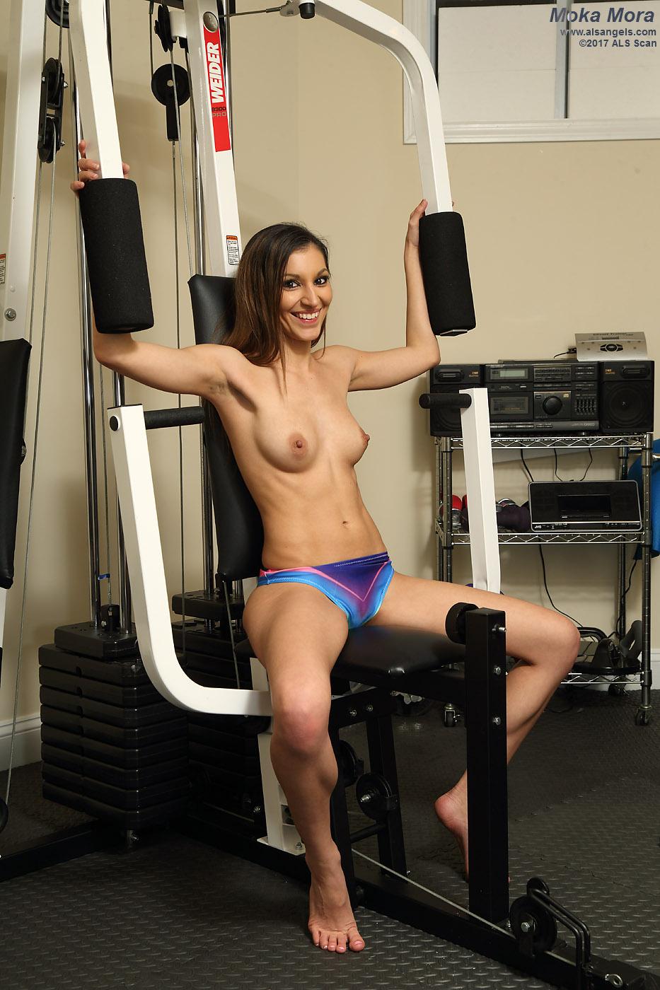 Hot Gym Girl