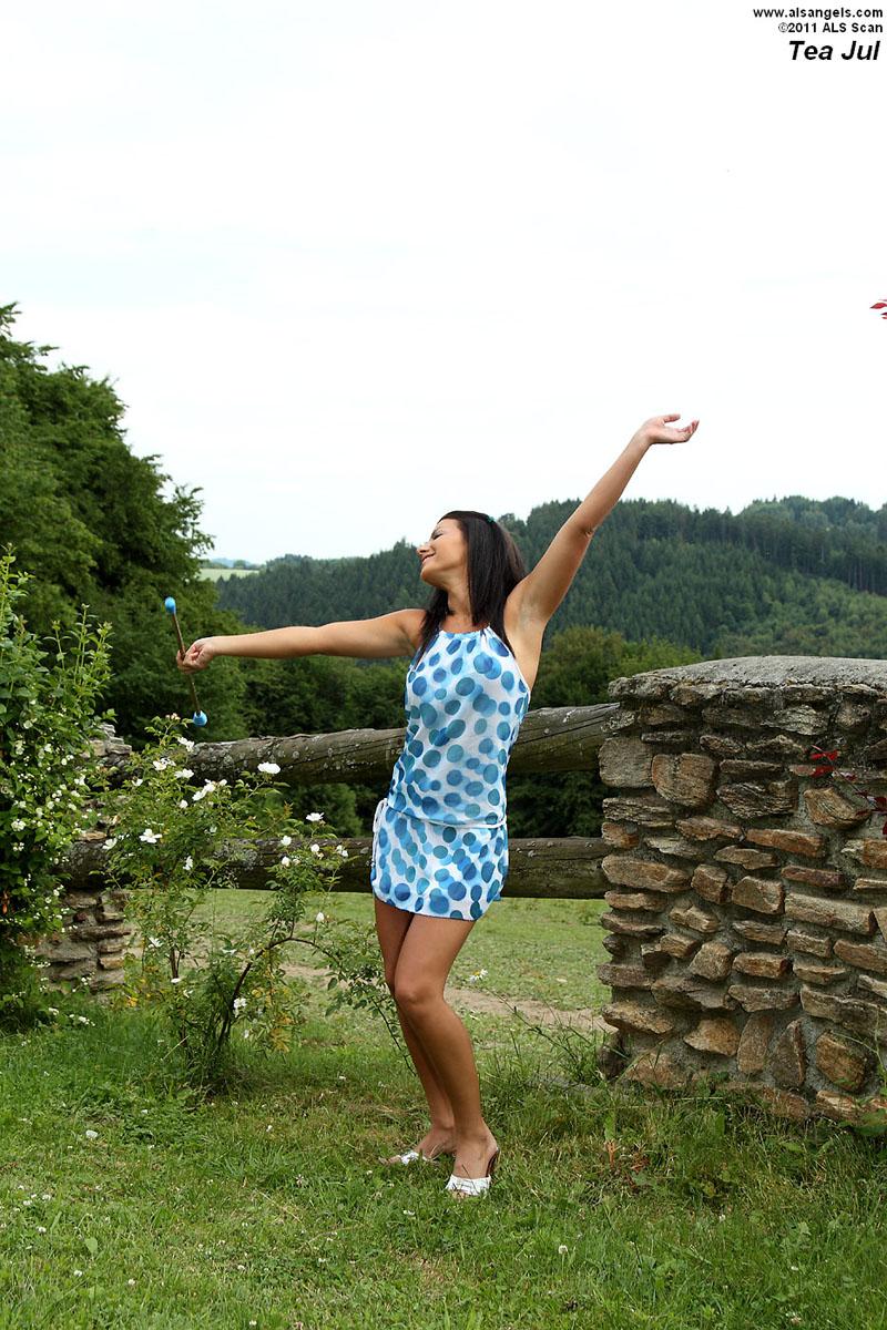 Tea Jul - Tea Jul Inserts Baton While Stretched with Dream Catcher