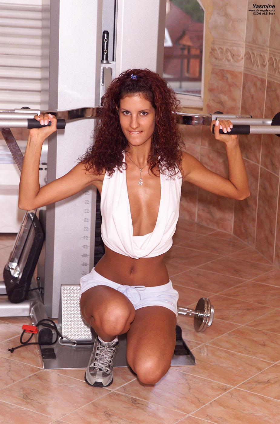 Yasmine - Yasmine Works Out